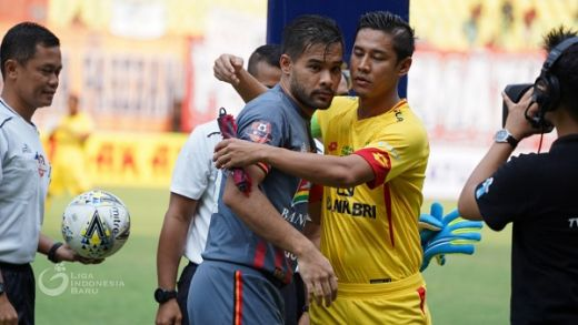 Andritany Arrdhiyasa bersama Indra Kahfi. (Foto: Liga-Indonesia.id).