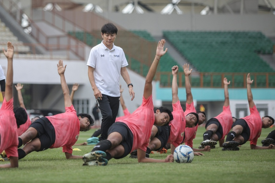 Shin Tae-yong dalam seleksi Timnas Indonesia U-19. (Foto: PSSI).