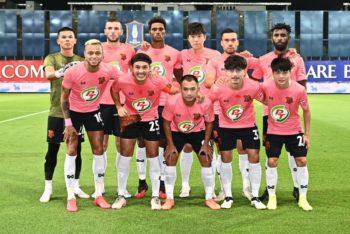 Yanto Basna bersama PT Prachuap FC. (Facebook/Leo Thailand).