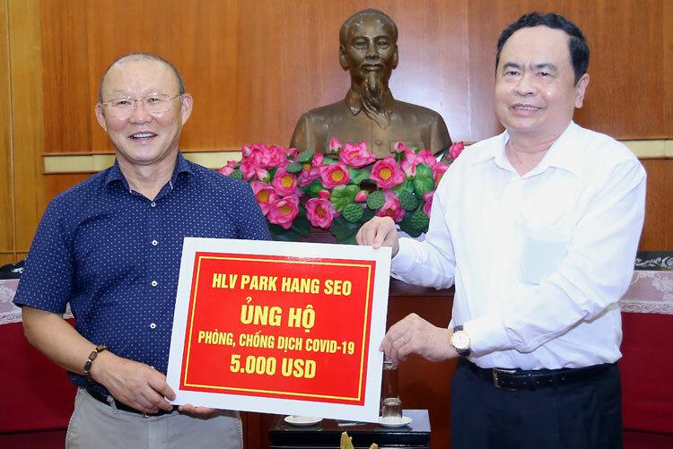 Park-Hang-Seo-ung-ho-chong-dic-8921-1387-1585216351